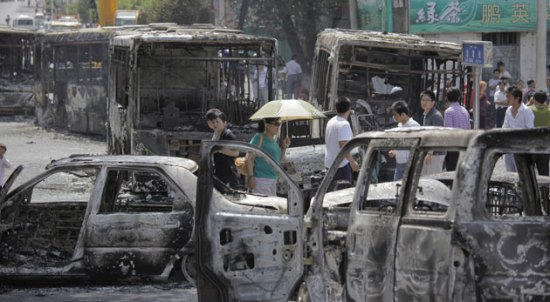 Burned-out-buses-after-ye-002