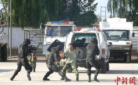 Anti-terror drill in Xinjiang